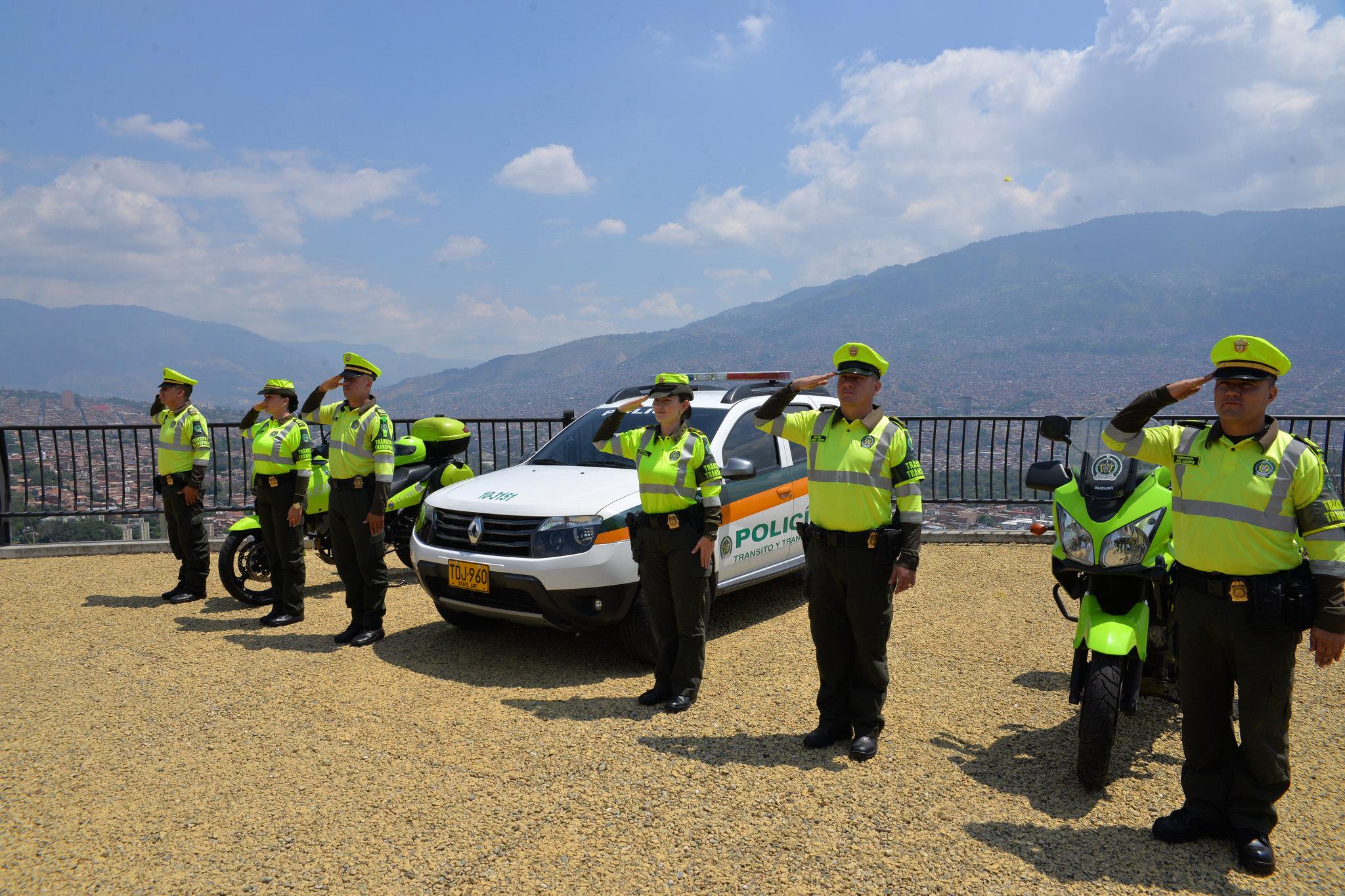 Transito y transporte polic a nacional for Oficina policia nacional