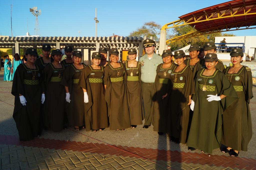88 j venes wayuu se grad an como patrulleros de la polic a for Oficinas santander cordoba