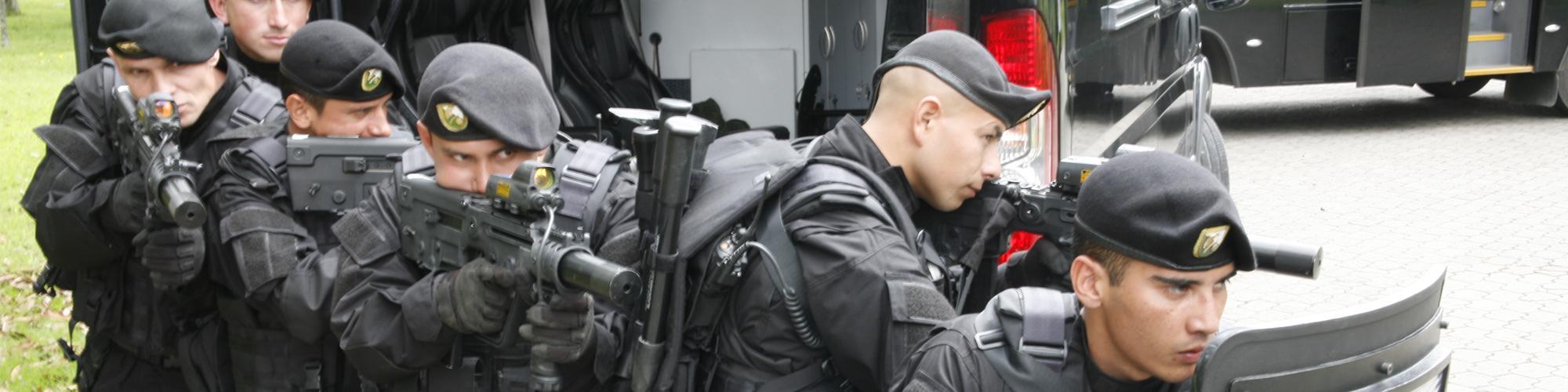 Unidad De Comandos En Operaciones Especiales Y
