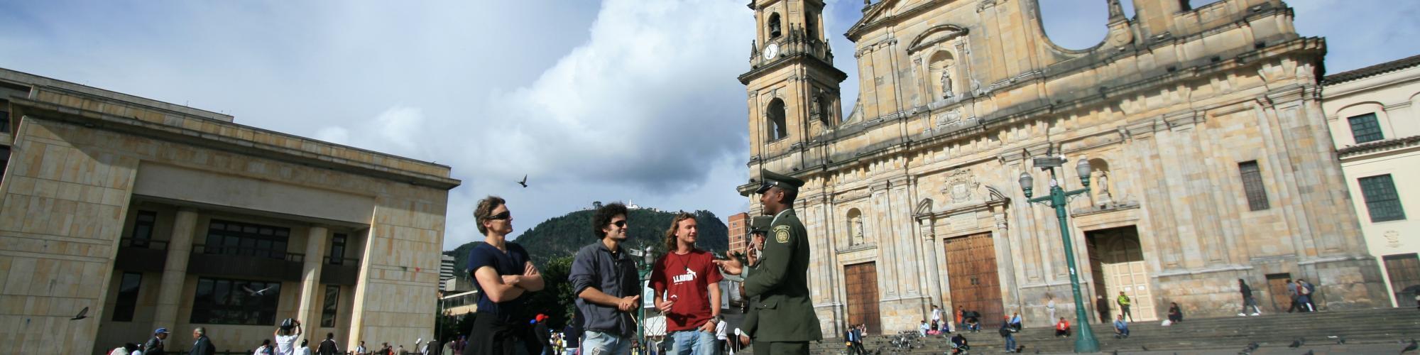 Información Turística Ofrecida por la Policía Nacional