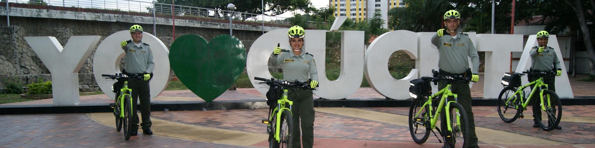 Grupo de Turismo de la Policía Metropolitana de Cúcuta en el Malecón
