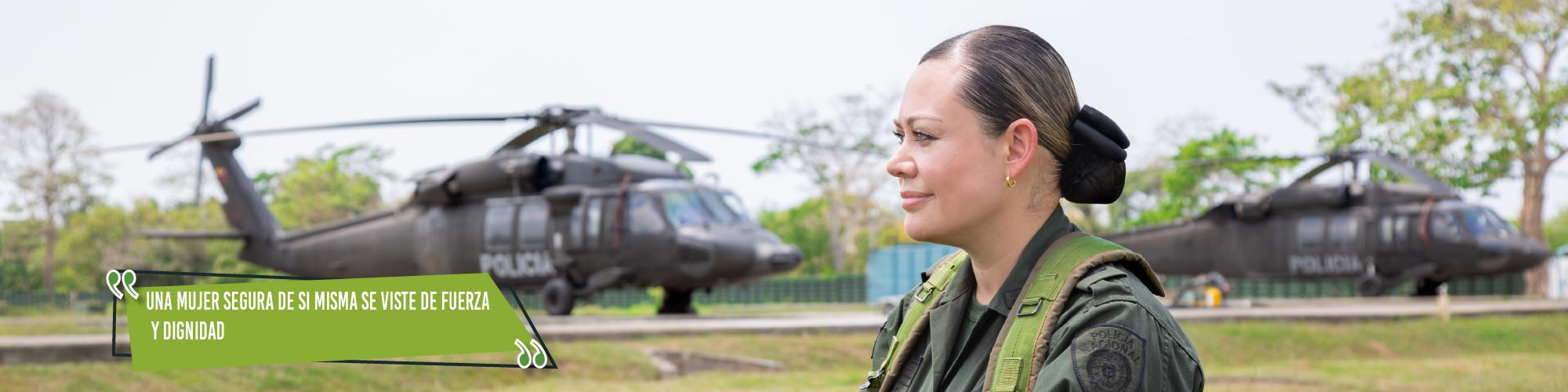 mujer policía de colombia