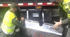 Incautamos 350 frascos de ketamina encaletados en el tanque de combustible de un camión