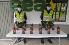 en Manizales incautamos 12 botellas de licor de contrabando