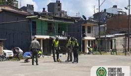 Con ayuda de la comunidad recuperamos cancha de microfútbol en un barrio de Quibdó