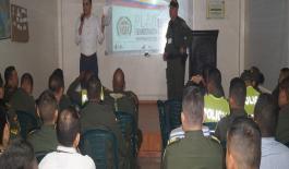 """miembros de la Policía Nacional fueron capacitados por parte de esta entidad gubernamental en temas que convergen al """"Plan Democracia 2018""""."""