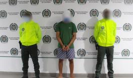 Ciudadano capturado y menor aprehendido por los delitos de homicidio en concurso con fabricación, tráfico o porte de armas de fuego o municiones.