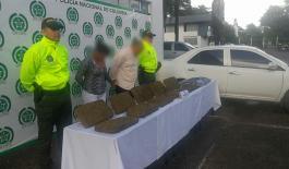 Dos capturados transportando marihuana