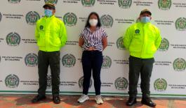 """Mujer capturada que haría parte del grupo delincuencial """"Las Mágicas""""."""