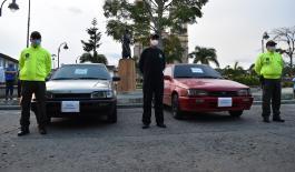 Entrega de dos vehículos recuperados