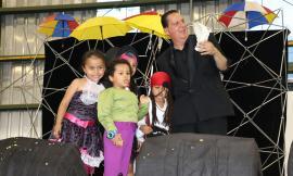 Dia de lo Niños con Acto de Magía