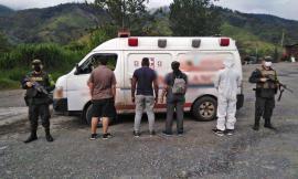 dieron con la captura en flagrancia de un hombre y una mujer que transportaban en una ambulancia de forma ilícita a dos personas de nacionalidad india