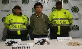Con dos armas de fuego, munición y estupefacientes fue capturada una persona en Santuario