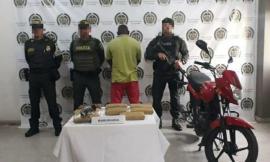 El Sujeto Capturado Trasportaba 4.226 Gramos De Marihuana Al Interior De Una Caja De Cartón