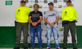 Investigadores de Policía judicial custodian a capturados por delitos sexuales