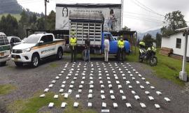 Dos capturados con 130 kilos de marihuana incautados tipo caleta y un vehículo inmovilizado