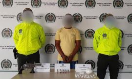 Ciudadano capturado por los delitos de tráfico, de estupefacientes y porte ilegal de arma de fuego