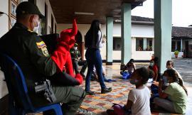 La Escuela de Policía Simón Bolívar brinda alegría a los niños