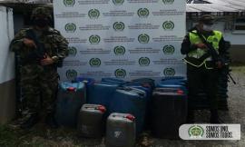 En-articulación-con-el-Ejército-Nacional-incautamos-158-galones-de-gasolina.