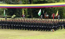 En-ceremonia policial-255-auxiliares bachilleres-hacen-juramento-de-bandera