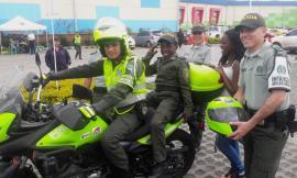 policia-cumple-sueno-nino-policia-dia-colombia