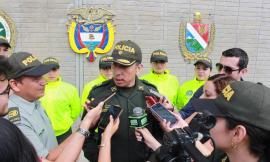 Cuatro hombres y una mujer fueron los capturados mediante diligencias de allanamiento y registró.