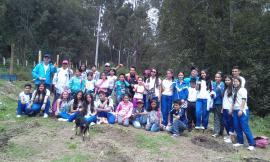 """El grupo de niños """"Cuida Palos"""" del Colegio Nuestra Señora de las Lajas"""