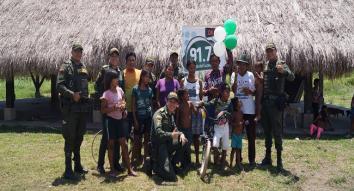 Obsequiamos bicicleta a un niño de la comunidad indígena Nukak