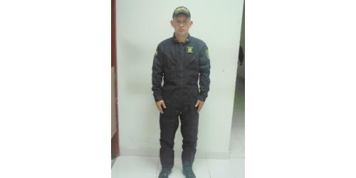 Uniforme Escuadrón Móvil Antidisturbios - Policía Nacional con gorra beisbolera