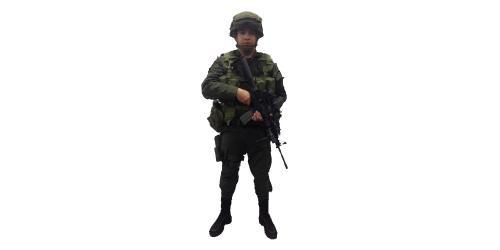 Uniforme de EMCAR con Casco de la Policía Nacional