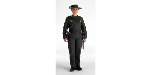 Uniforme de los grupos de Protección Ambiental y Ecológica de la Policía Nacional
