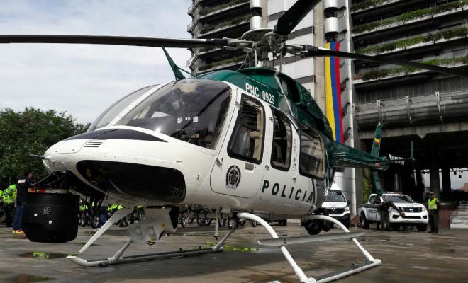 Director de la Policía entrega 100 nuevos policías y helicóptero para seguridad de Medellín
