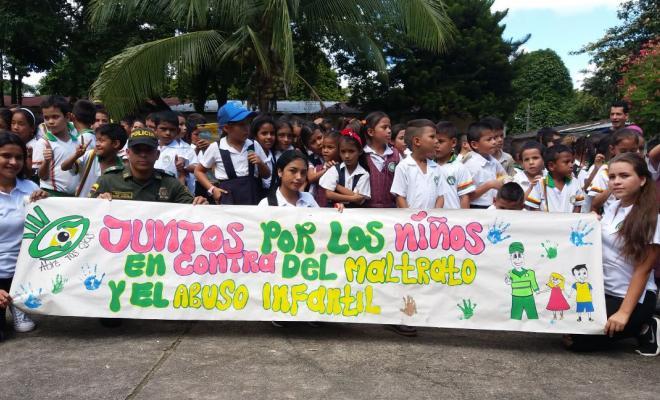 campaña-silbaton-juntos-por-los-niños-florencia