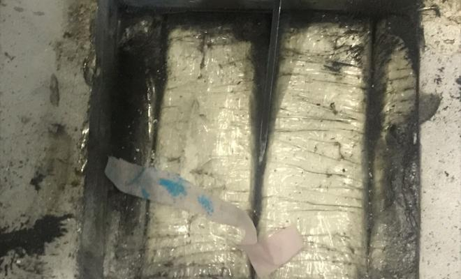 """El canino """"Sombra"""" descubre clorhidrato de cocaína oculta una moldeadora"""