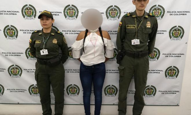 Capturada-modelo-guatemalteca-llevando-sustancias-alcaloides-en-su-organismo