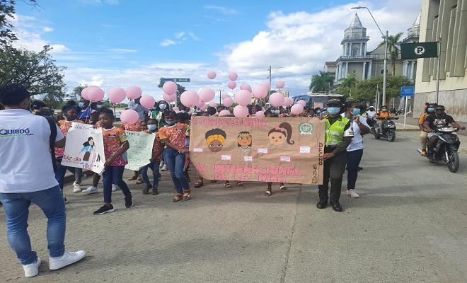 Con el grupo de protección a la infancia, defensoría del pueblo y alcaldía de Quibdó celebramos el día de la niña