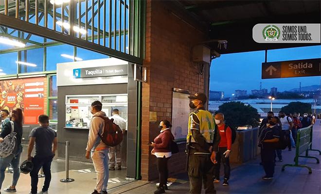 Controles policiales en el sistema Metro de Medellín