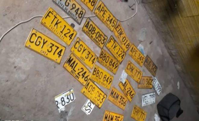 vehiculos_y_placas_halladas_por_la_policia