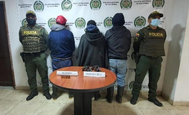 Capturados tres ciudadanos