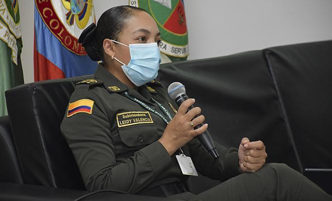 """Lanzamiento del libro """"Comportamiento Ético Policial De Egresados ESBOL"""""""