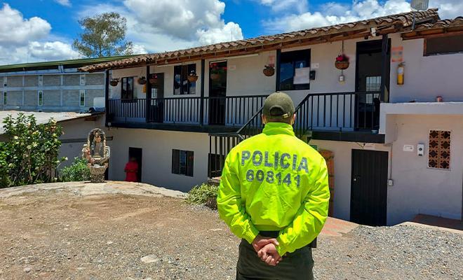 Embargo, secuestro y suspensión del poder dispositivo de 39 bienes, pertenecientes al grupo delincuencial organizado 'Robledo'.