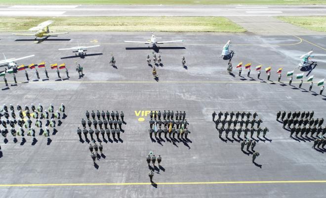 Pilotos colombianos graduados mariquita