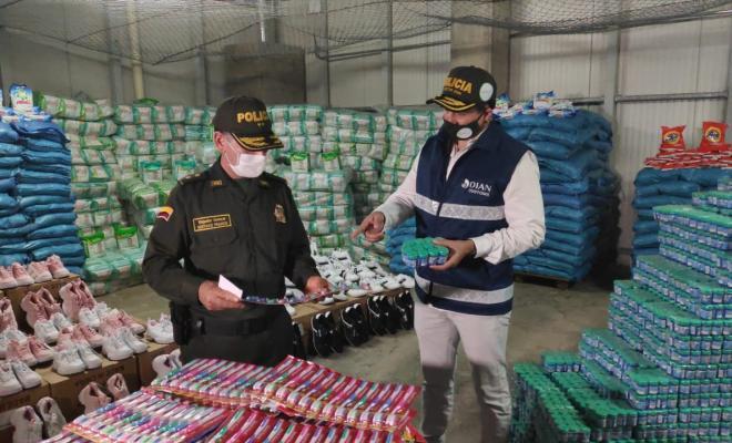 Rueda de prensa caso mercancías contrabando Cartagena
