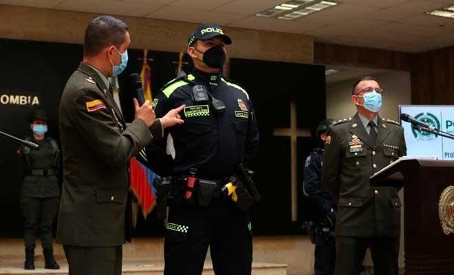Nuevos uniformes policía